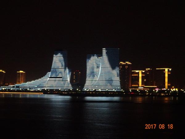 http://rooftop.cc/column/2017/09/07/ojisan201709_01.JPG