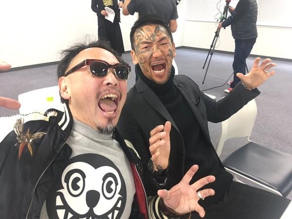 アウトローのカリスマ瓜田純士さん。顔のタトゥが、ふつー怖いです.jpg