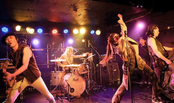 c_photo_by_yuko_2.jpg