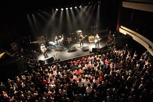 【ライブレポート】FoZZtone 11月2日 恵比寿リキッドルーム / 11月5日 東京キネマ倶楽部                                     (2011.11.12)