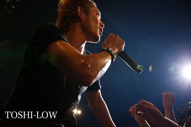http://rooftop.cc/news/2015/10/28/toshi_low.jpg