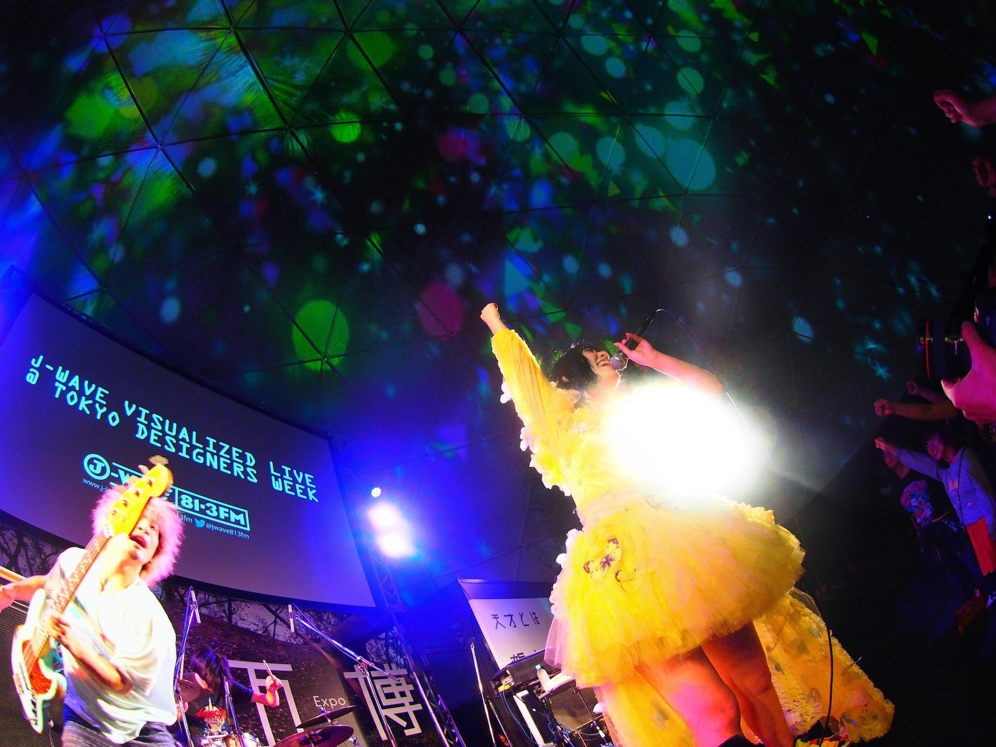 SEBASTIAN X、6日前の最新ライブ&2013年リキッドワンマン映像をYouTube公開