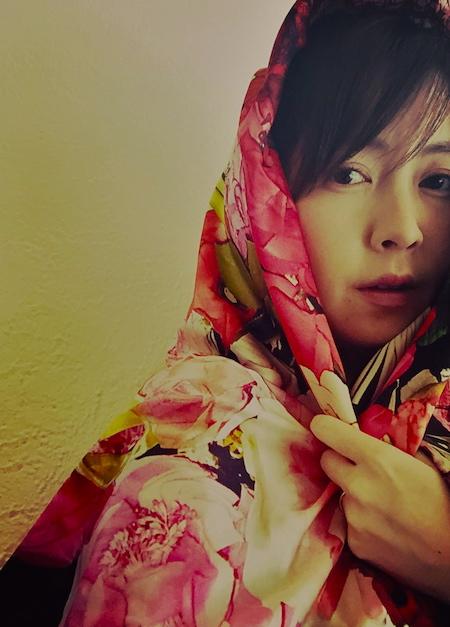 「ことば」を唄わない湯川潮音の新名義「sione」、新たな唄の世界と可能性と挑戦!7月22日配信リリース!