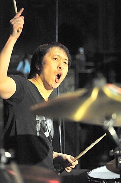 高橋浩司(ex. PEALOUT, HARISS, DQS etc...)生誕50周年を自ら祝し、 ドラム人生の全歴史を見せるバースデーイベントを開催!