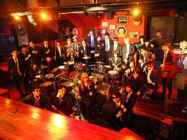 ゆるめるモ!、ドラムを叩き男たちを殺しまくるPG-13指定の新曲MVを公開!