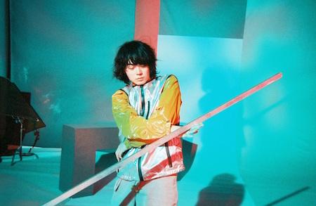 菅田将暉Debut Album『PLAY』初回生産限定盤の特典映像は、完全撮りおろしの「北九州小旅行ドキュメント」作品!