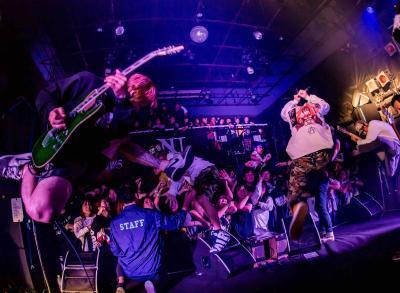 『SHADOWS』5月発売アルバム『torches』に先がけ無料ダウンロード開始!