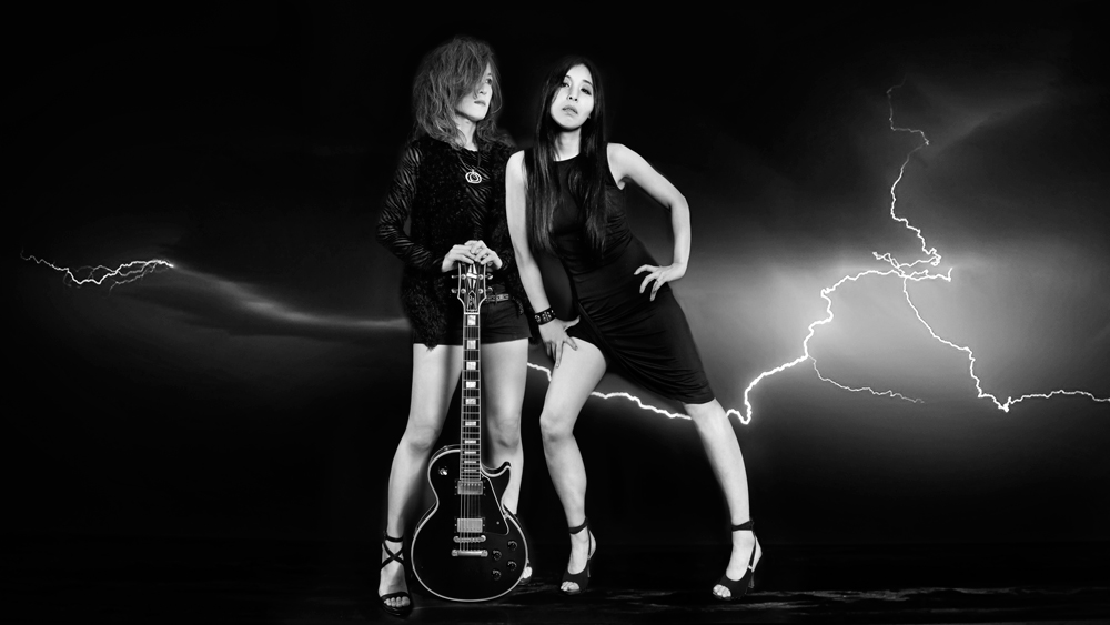 メタルと共にあらんことを! シュガー吉永と吉村由加によるテクノ・ミーツ・メタルバンド