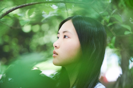 16歳のシンガー・ソングライター 琴音 7月11日(水)発売ミニ・アルバム『願い』 明け方の海で歌うリード曲