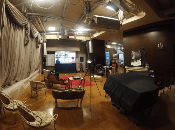 世界初、大正レトロの懐かしい銀座写真館で8K大画面上映会! タイムスリップ空間で、毎日短編映画を楽しもう!