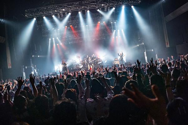 横浜銀蝿40th_バンド全体_1.jpg