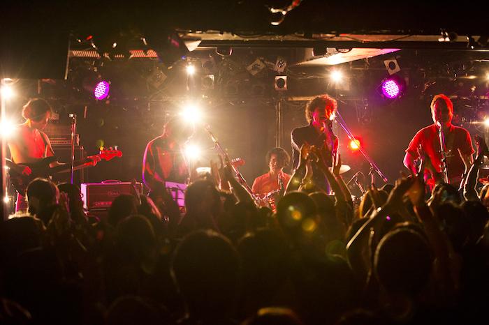 【ライブレポート】ライブイベント「貴ちゃんナイト」第8回で、GREAT3、9㎜菅原卓郎、The Cheseraseraによる夢のセッションが実現―