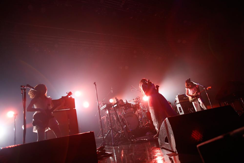 【ライブレポート】赤い公園、自身最大規模のワンマンツアー、東京にてファイナル!そしてモバイルファンクラブ「赤ちゃんねる」オープン!!