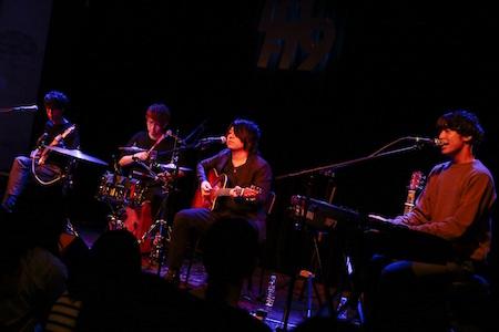 【ライブレポート】SHE'S、2ndシングル『Tonight / Stars』の購入者限定の招待制アコースティックライブを実施。