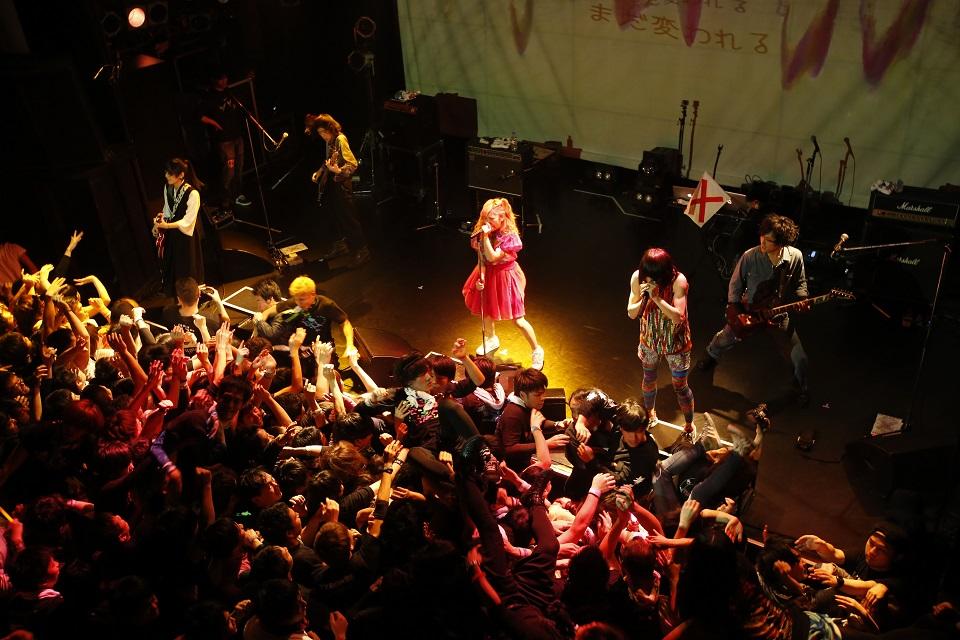 【ライブレポート】魔法少女になり隊、狂騒のツアーファイナル!今春の新曲予告も。