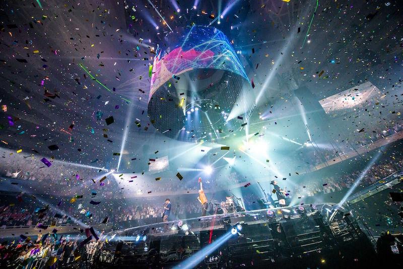 【ライブレポート】flumpool、360°ステージの日本武道館で自身最高のライブ達成!2days公演を大盛況で終幕、全国ツアーに向けて万全のスタートを切る!