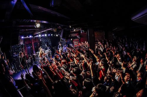 【ライブレポート】ヒトリエ さらなる進化を感じさせるツアー『UNKNOWN-TOUR 2018