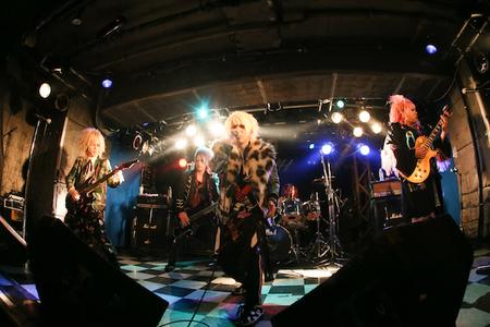 12_IGGY live_001.jpg