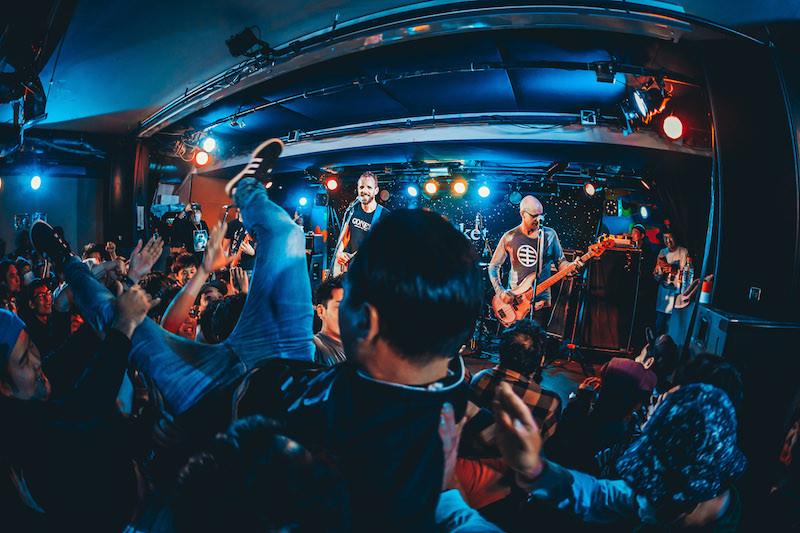 スウェーデンの90's EMOレジェンド、スターマーケットのジャパン・ツアーがスタート! 大熱狂となった初日の大阪ライブレポート到着!
